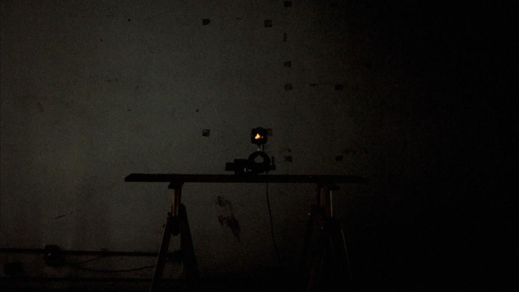 《走光性》 ビデオ、9分49秒 撮影: Alexandre Ermel